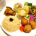 Vegetable Cafe Mahaloha - 料理写真:庄司いずみさん監修プレート