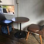 古本屋 カフェ サニーハウス - テーブル席