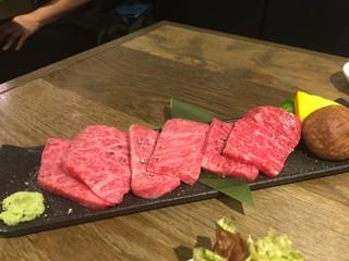 USHIHACHI 武蔵小杉店 - 厳選黒毛和牛3種