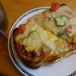 コメダ珈琲店 - 料理写真:たっぷりたまごのピザトースト 650円