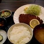 おにぎり屋 こころ - 料理写真:トンカツ定食500円。