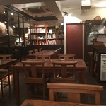 Rainy Day Bookstore & Cafe - 店内
