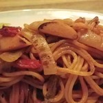 バチェラー - 魚肉ソーセージを標準使用