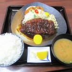 72682778 - ロースかつ 魚ミックス定食 1,600円 + ご飯大盛り100円 = 1,700円(税込)。   2017.09.05
