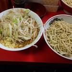 72683013 - 小豚つけ麺790円+100円(野菜マシマシ、生姜50円)
