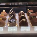 72683572 - 色んなチョコケーキ