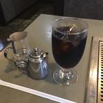 みつ蜂 - ランチのアイスコーヒー。