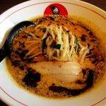 ボウボウラーメン かそり - 料理写真:ボウボウラーメン黒(量少なめ)!