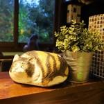 猫の時間 - 猫の置物