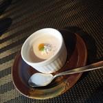 四季茶房八夢 - 桃のプリン