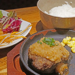 厳選塊肉食べ放題 肉バル横丁 - 200gハンバーグステーキランチ