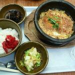新天町倶楽部 - 鶏かつ玉子とじ鍋定食