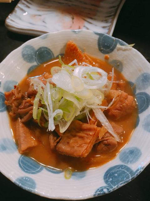 もつ焼き 涌谷 - 牛煮込み(550円)
