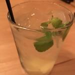 蕎麦・天ぷら 権八 - 【2017.8.22】蜂蜜漬けレモンのサワー¥650