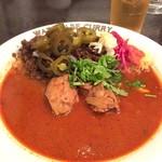 渡邊カリー - 「元祖渡邊カリー」(1150円)。ご飯は小、カレーは辛口指定。これにミニサラダが付く。