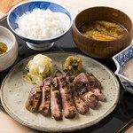 【牛タン焼き御膳 1,700円】(並)