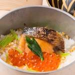 鮭イクラ釡飯