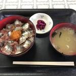 鈴木食堂 - さんま丼 味噌汁・漬物付 1300円(税込)