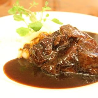 上品だけどどこか懐かしい味、街の洋食屋Cuore-クオーレ-