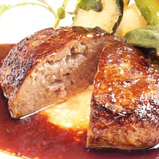 【絶品ハンバーグ】溢れる肉汁、旨さ引き出すデミグラスソース