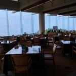 土佐カントリークラブ オーシャン - 大きめの窓が景色を楽しませてくれます。