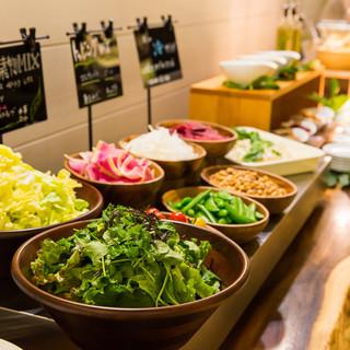 ランチには野菜ビュッフェが新登場‼