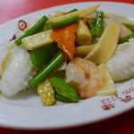 北京料理 東興樓 - 海鮮ピリ辛炒め