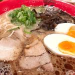 博多新風ラーメン食堂 - 新風麺「黒」+味玉