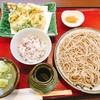 蕎麦 みずき - 料理写真:海老のかき揚げともりそば(A)