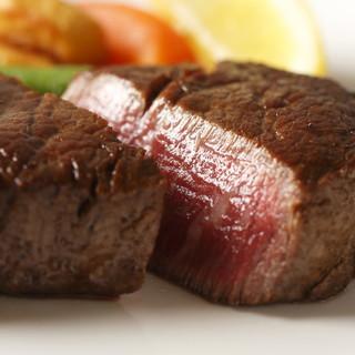 """""""本物の肉""""がここにはある。『牛を楽しく、気軽に』堪能。"""