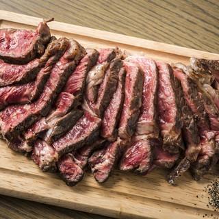 プライムクラスステーキの最高品質の味わいをお楽しみください。