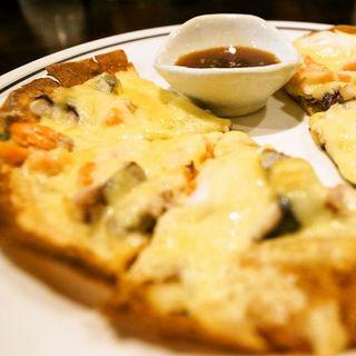 【人気メニュー!】海鮮チーズチヂミ