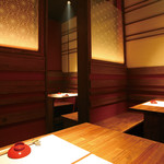堀垣堂 - テーブル4席×3