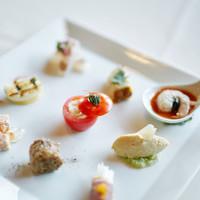 Ristorante AMRIT - 好評の華やかな一皿【彩り前菜9種の盛り合わせ】