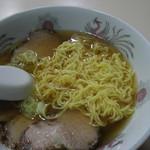 橋本屋 - 麺・クローズアップ