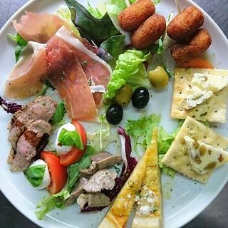 定番のイタリア料理からオリジナルなメニューまで品数豊富です