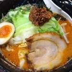72745770 - 赤とんこつ辛口太麺(鋼、上尾)