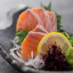 肉×魚×日本酒 照 - 『サーモンの刺身』
