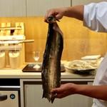 味あら井 - 地物1キロ天然鰻