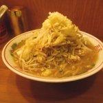 自家製太麺 ドカ盛 マッチョ - ラーメン並 豚増し(850円)