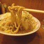 自家製太麺 ドカ盛 マッチョ - 太麺!