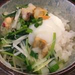 72758710 - 〆メシ150円(ランチは+50円でOK)に青柳貝の塩そばの具材とスープを投入