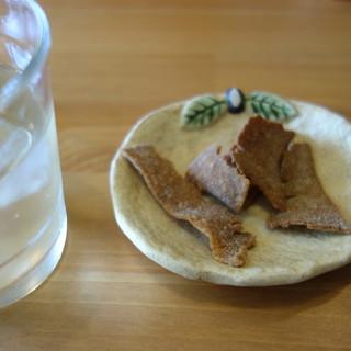 そば屋 けん豆 - 料理写真:蕎麦煎餅