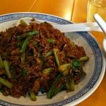 中国ラーメン 揚州商人 - 黒酢炒飯  910円、スープが付きます