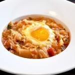 ズッペリア オステリア ピティリアーノ - 料理写真:卵を落とした玉葱とセロリ、トマトのズッパ「アクアコッタ」