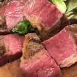 ズッペリア オステリア ピティリアーノ - 赤身ジャージー牛の炭火焼