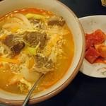 牛菜 - カルビクッパセット。赤いけど辛くはない