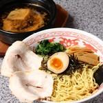 らーめん なじみ - つけ麺 黒醤油(炭焦し風味)