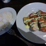 72773860 - □今週のランチセット② 鶏肉のアイリオソース 1000円(内税)□ ライス・パン・スープ・ドリンクから3品を選択。