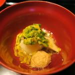 井中居 - 焚合 小蕪すーぷ煮 菊花餡かけ 鶏つみれ 舞茸 もつて菊